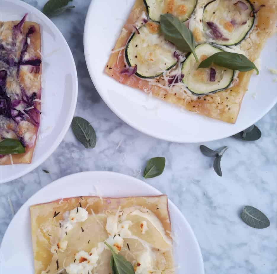 Vegetarische pizza van bladerdeeg