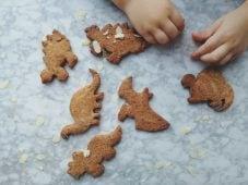 Speculaas koekjes met uitsteekvormpjes