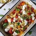 Vegetarische pasta met mozzarella en tomaat
