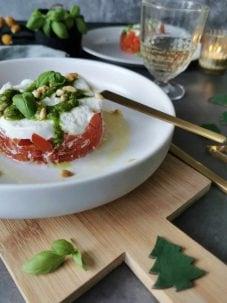 Voorgerecht kerst tomaat mozzarella