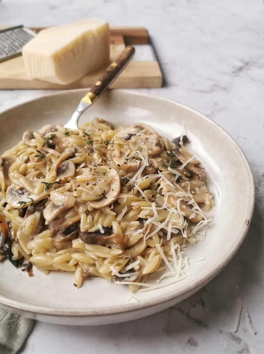 Risotto van orzo met champignons