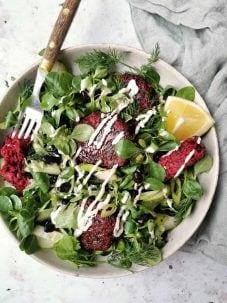 Salade met zelfgemaakte falafel