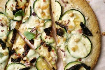 Vegetarische pizza bianca